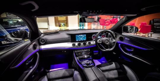 Cieran McConnon Car Sales Genius App Fading Image 3