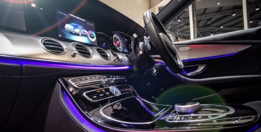 Cieran McConnon Car Sales Genius App Fading Image 2