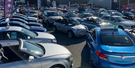 J & I Car Sales Genius App Fading Image 0