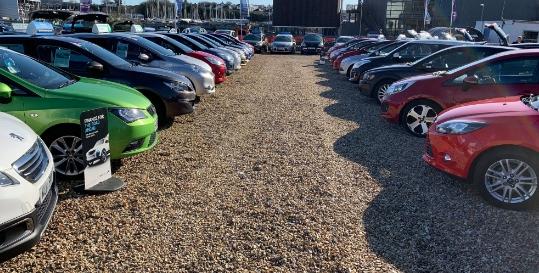 J & I Car Sales Genius App Fading Image 3